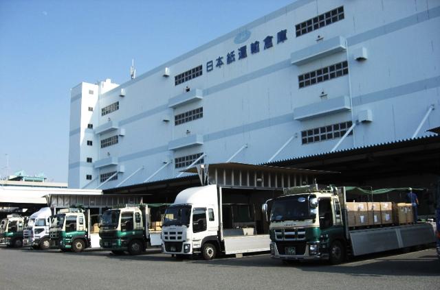 陸上輸送(トラック)
